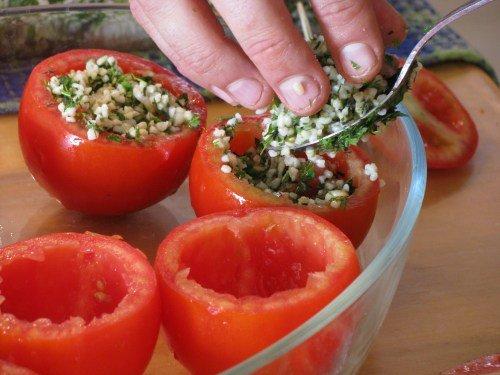 דג צלוי עם עגבניות ממולאות של איתמר ציגלר